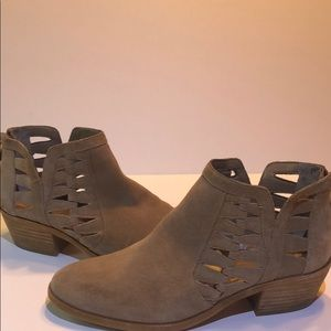Vince Camuto suede tan ankle booties cut out 7.5